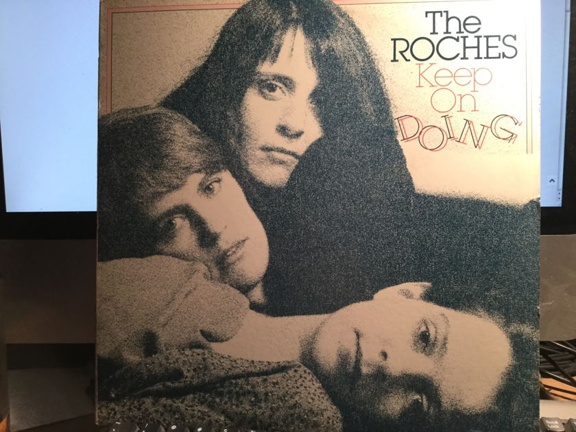 The Roches - KEEP ON DOING Produced by Robert Fripp