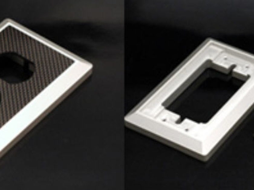 Oyaide WPC-Z  Carbon Wall-plate