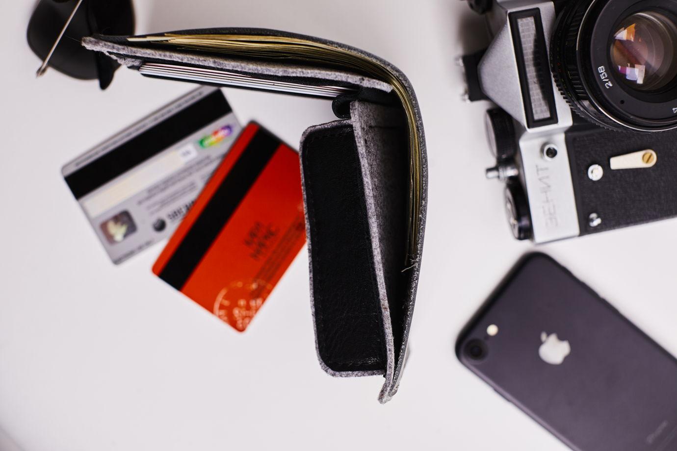Кожаный портмоне -Bifold- цвет Deep Gray