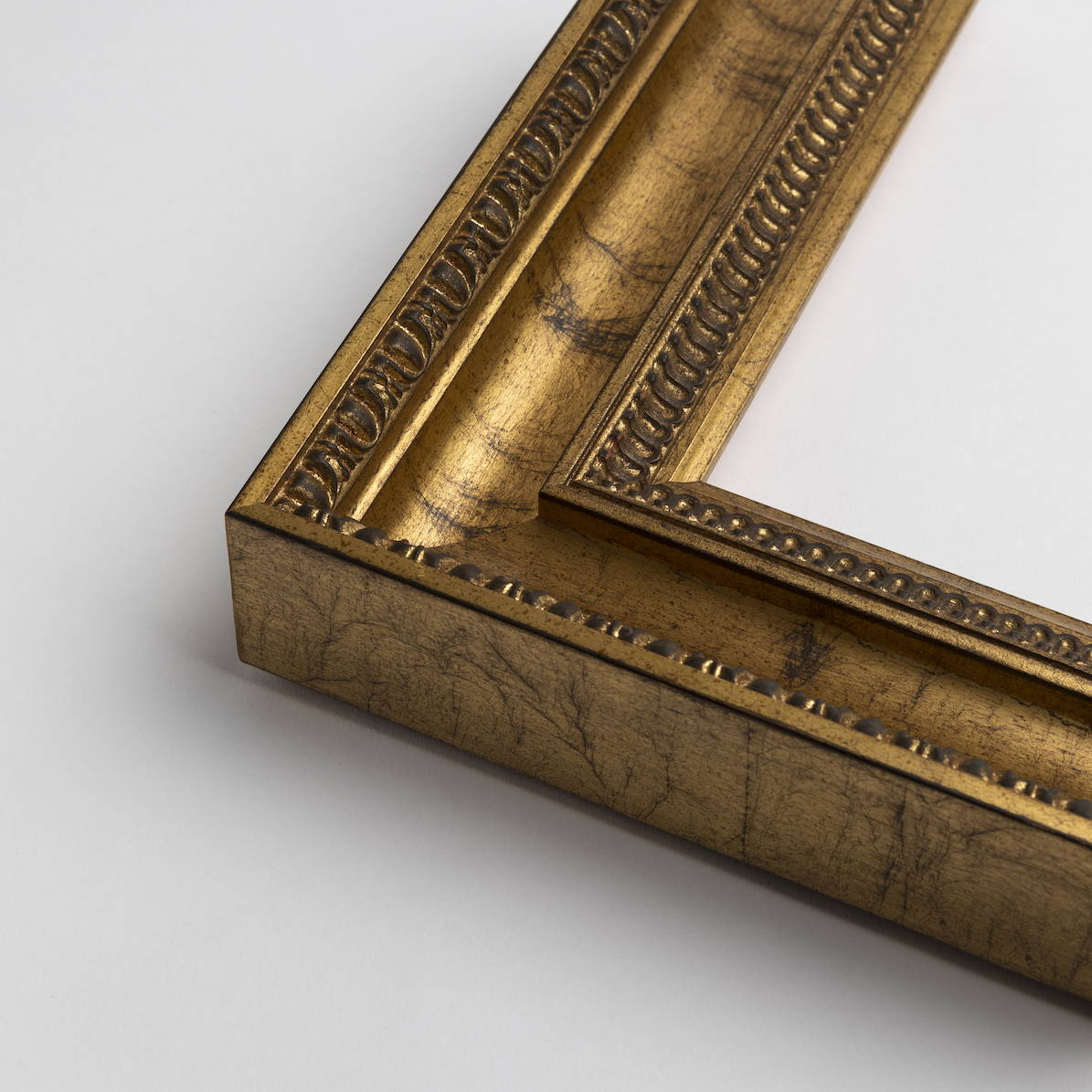 TV-Mirror Traditional Gold Frame by FRAMING TO A T