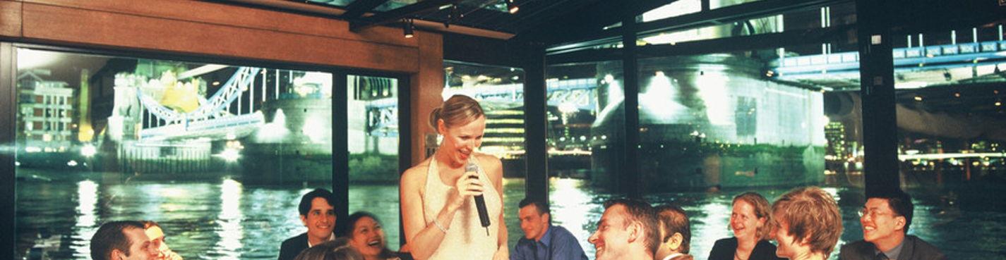 Вечерний круиз по Темзе с ужином и танцами