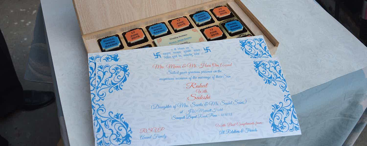 Wedding invite card with chocolates