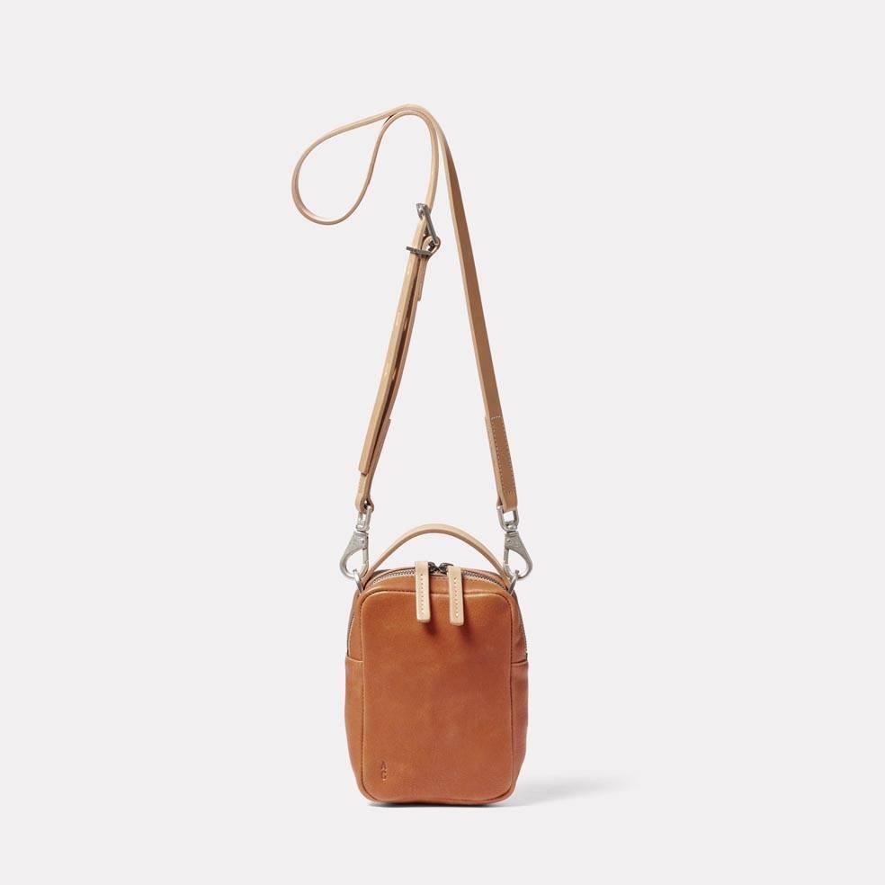 Hurley Calvert Leather Crossbody Bag in Tan
