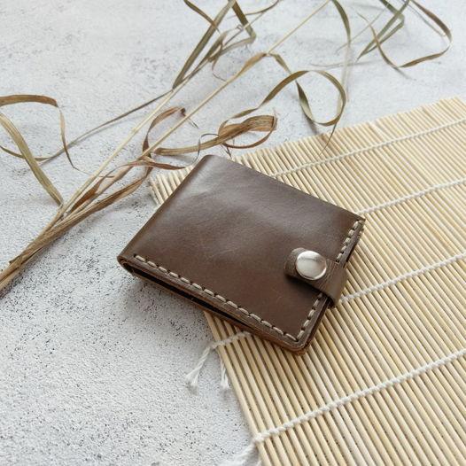 Кожаный кошелек оливкового цвета