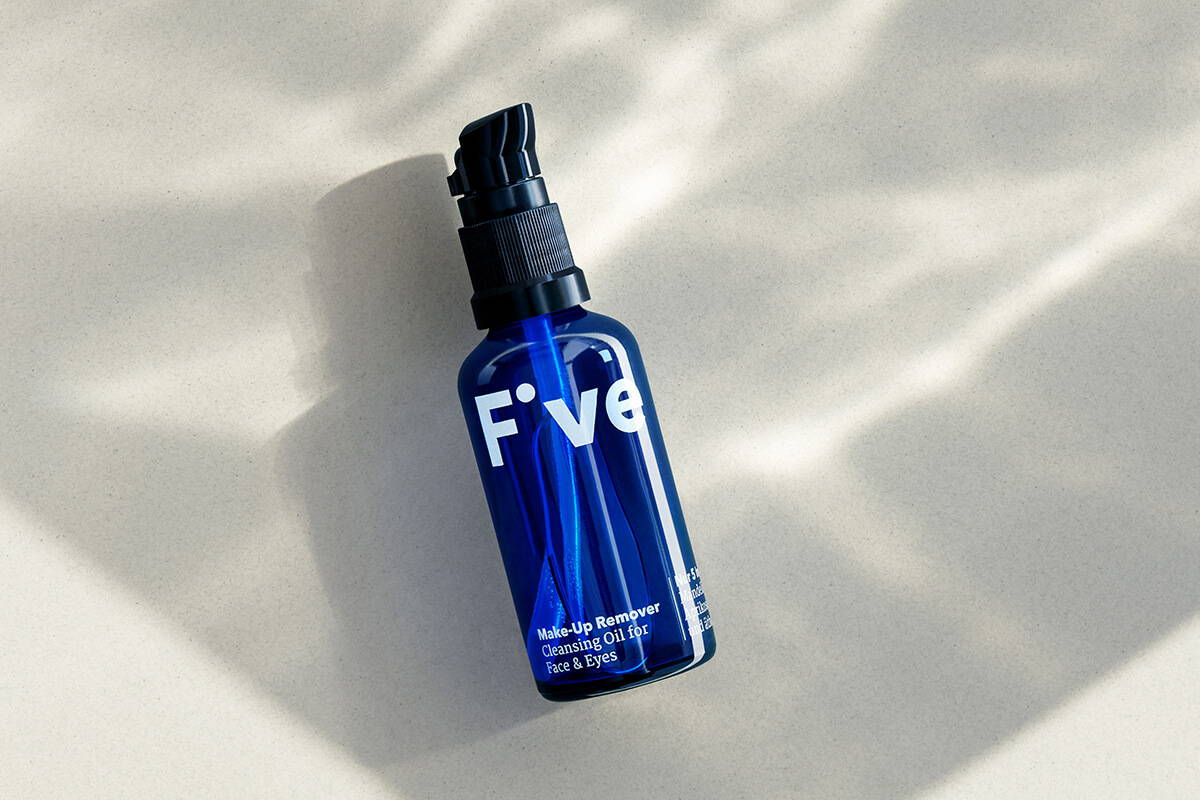 Five Make-Up Remover –Oil Cleansing Method
