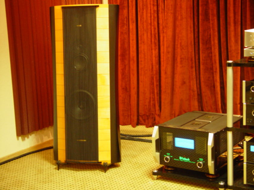 Sonus Faber Elipsa Maple finish Excellent condition, 1 owner. Shipping Included