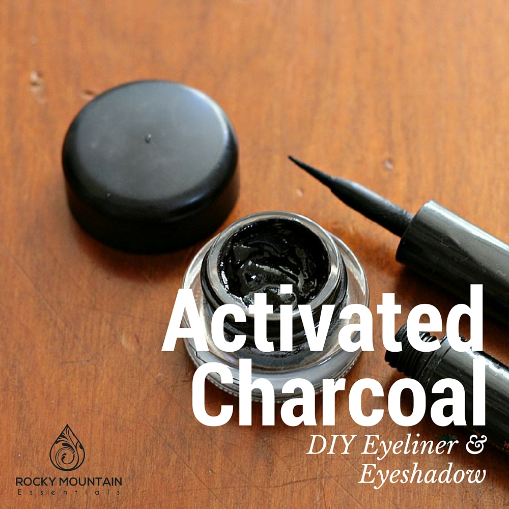 activated charcoal eyeliner