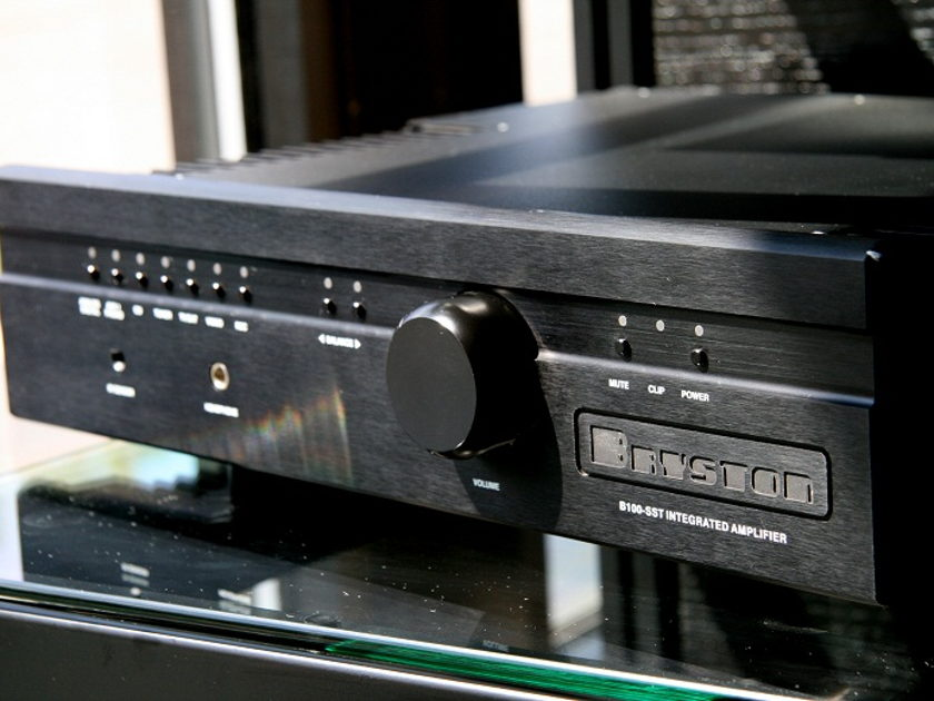 Bryston B 100 SST Stereo Amplifier Black