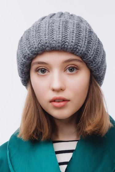 Вязаная шапка-зефирка из смесовой шерсти серого цвета