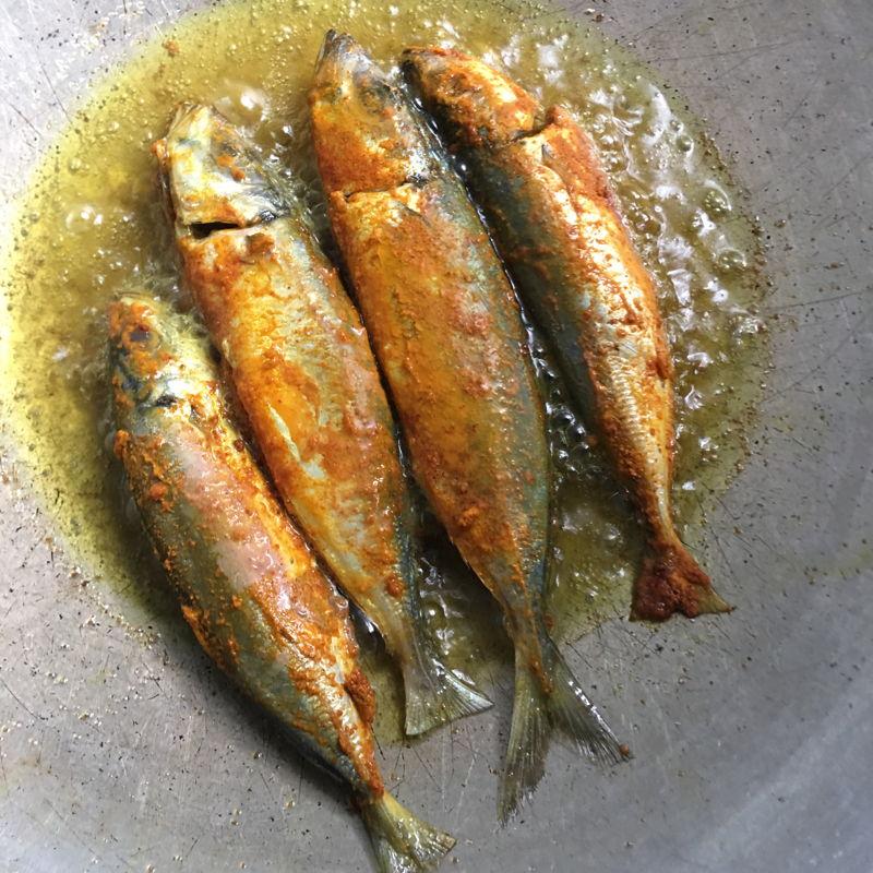 Nov 24th, 2019 - Turmeric  fried fishes.