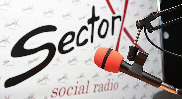 Жизнь на ощупь: как слабовидящие люди создают радио в Алматы - Новости радио OnAir.ru
