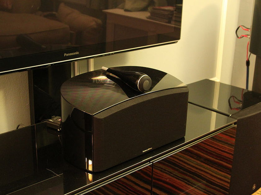 Bowers & Wilkins HTM4 D2 Center Channel Immaculate Condition - Original Owner