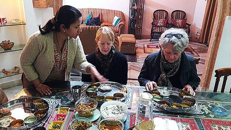 Cooking lesson with Hindu family