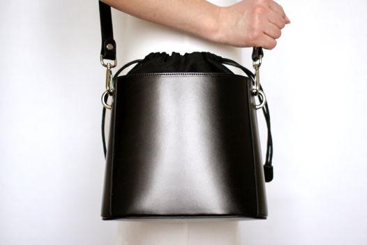 Черная кожаная сумка Lilou