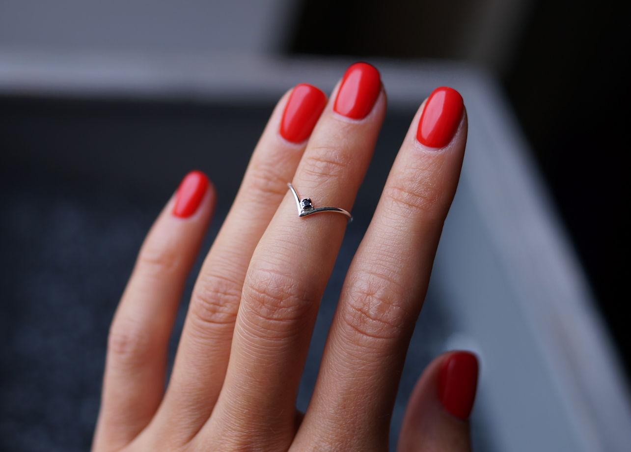Серебряное кольцо на фалангу V с камнем