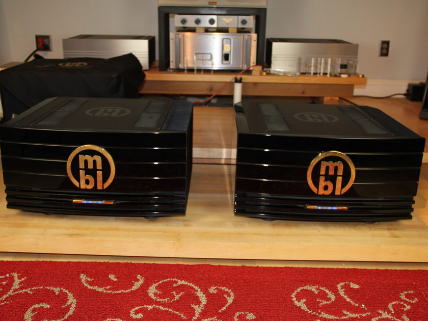 MBL 9007  9007 power amps 2 available