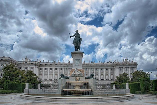 Индивидуальная пешеходная экскурсия по Мадриду