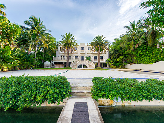 Hamburg - The US rapper Birdman has sold his estate on Palm Island in Florida with Engel & Völkers for 10.85 million US dollars. (Image source: Justin Namon, Ra-Haus Photography)