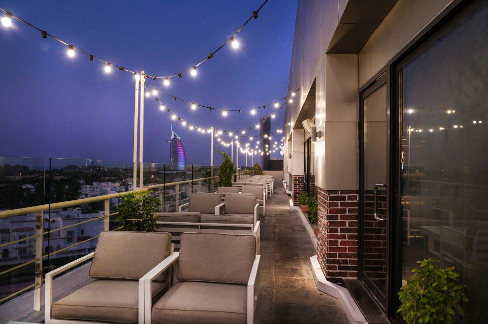 Hi Five Restaurant and Lounge image