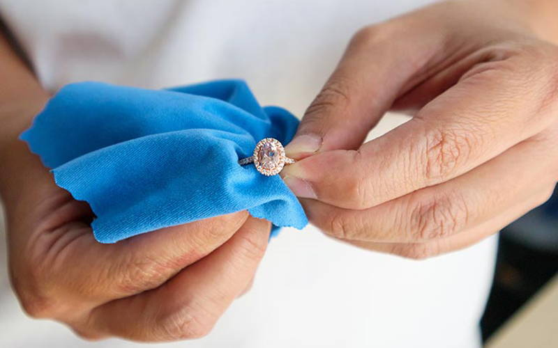 Dry your diamond jewelry with a soft cloth