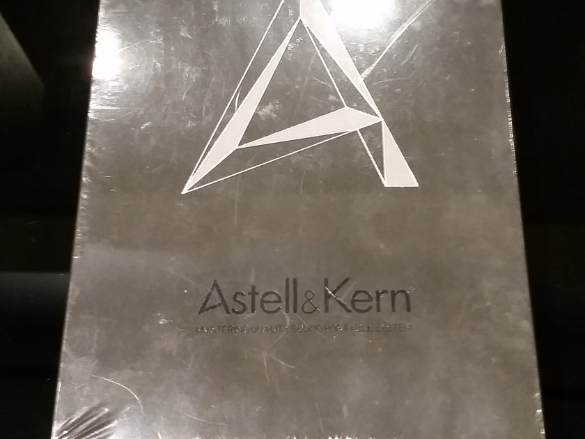 Astell & Kern AK240 256 GB NEW IN BOX  FINAL PRICE REDUCTION