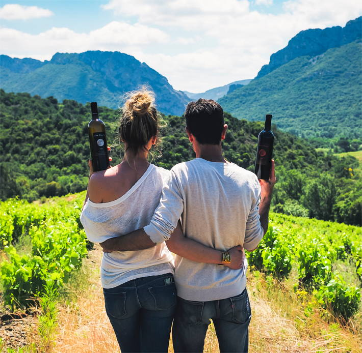 france, vin nature, rawwine, organic wine, vin bio, vin sans intrants, bistro brute, vin rouge, vin blanc, rouge, blanc, nature, vin propre, vigneron, vigneron indépendant, domaine bio, biodynamie, vigneron nature , le mas de la lune, matthieu courtay, vanessa courtay, roussillon, envole-moi, ouh la la, pétite étoile, oxylune