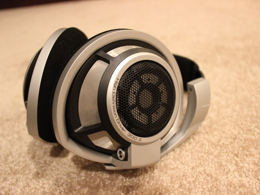 Sennheiser Electronics HD-800 Headphones. With Moon Black Dragon Cable. WONDERFUL!