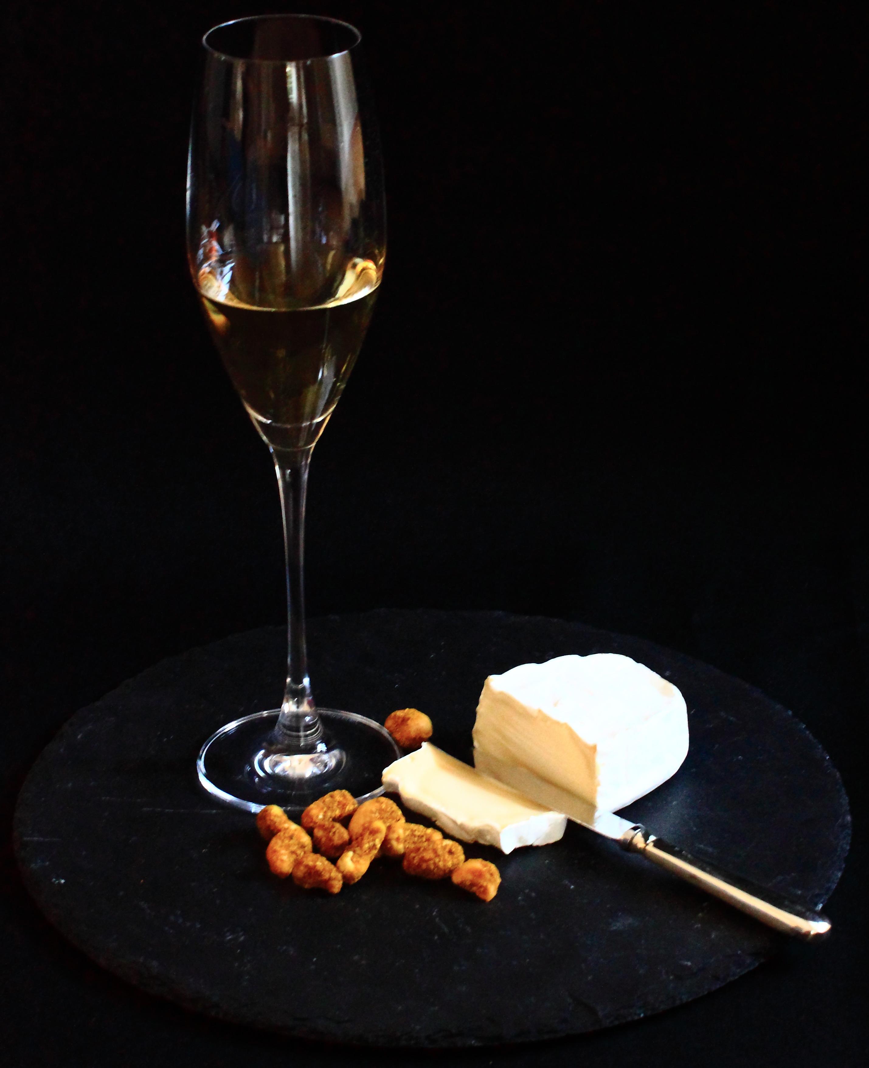 Gewürznüsse Rezept Sitas Goldcurry Cashew mit Champagner und Käse