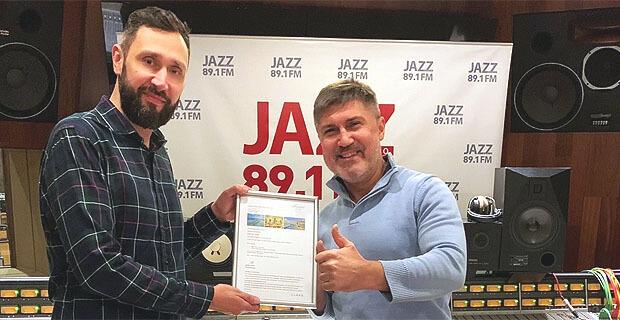 Победителю розыгрыша поездки на Мальдивы от Радио JAZZ вручили приз - Новости радио OnAir.ru