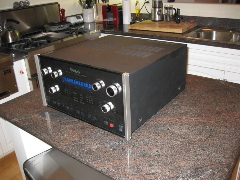MCINTOSH MX-136 AV PREAMPLIFIER