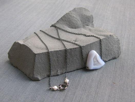 """Колье """"Lonely iceberg"""" из серебра с сапфирином на чёрной цепочке"""