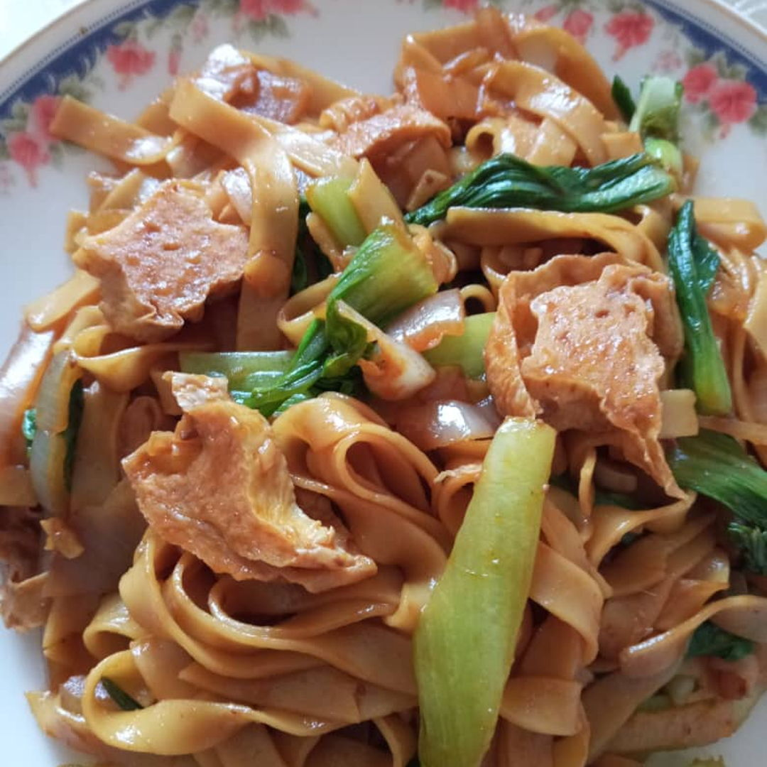Stir Fry Soy Noodles for lunch 😎👍🏻