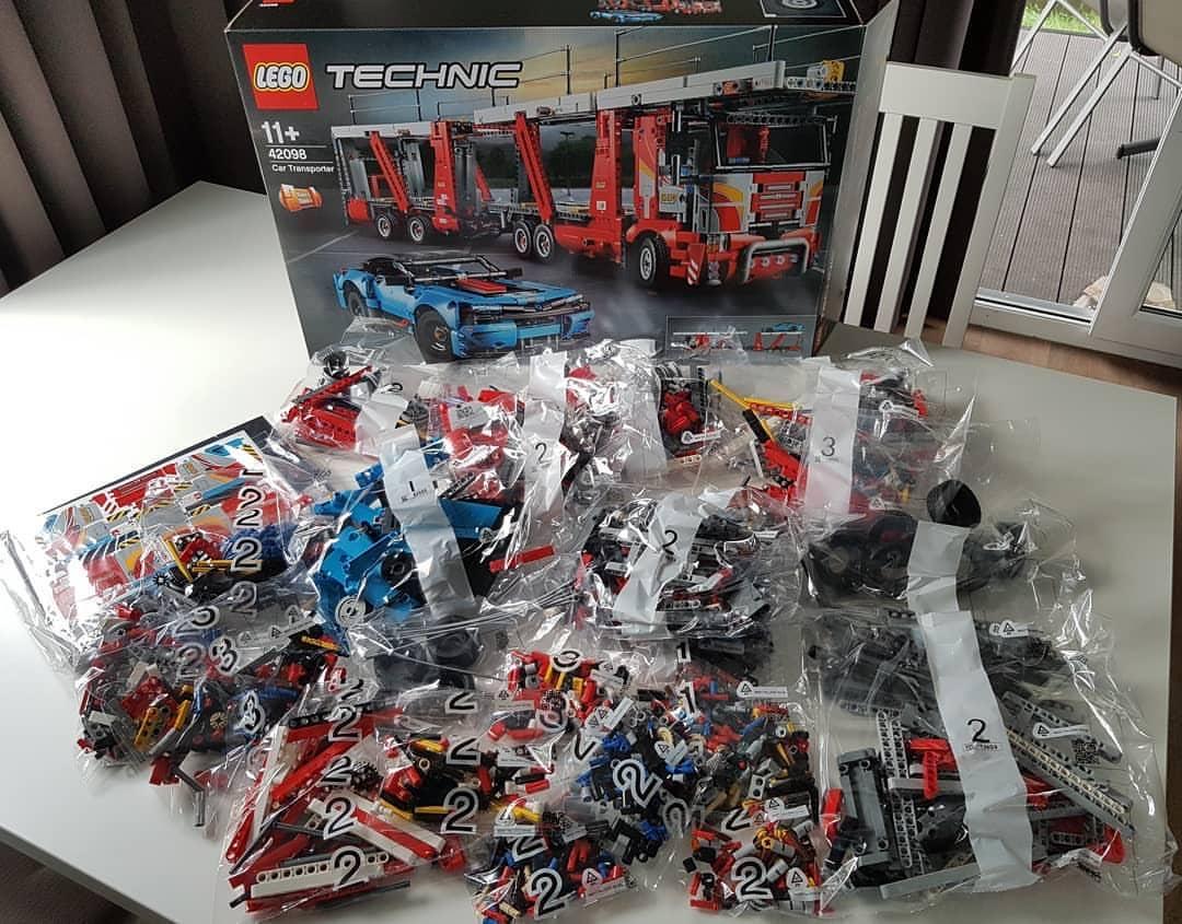 lego 42098 parts