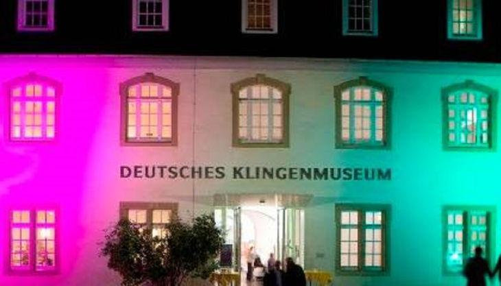 deutsches klingenmuseum klingenmuseum beleuchtet