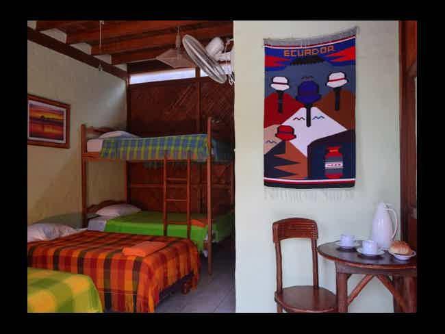 Hanga Roa Hostal-Montañita
