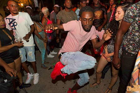 Nightlife in Arusha - Bar Crawl Tour