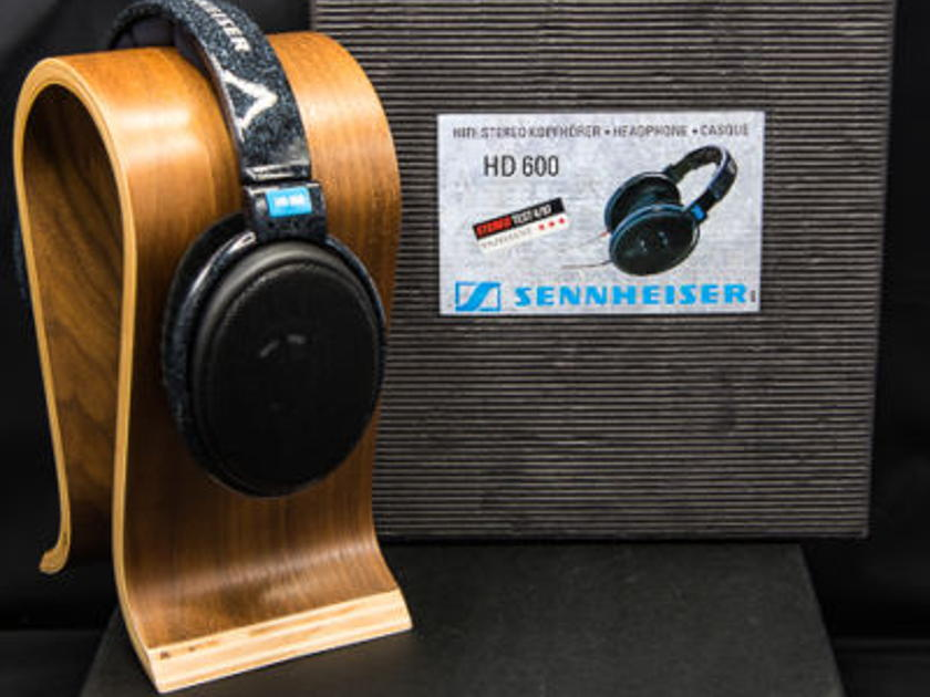Sennheiser HD 600 Premium Dynamic  Headphones - [ Rare Low S/N / Low Hours ]