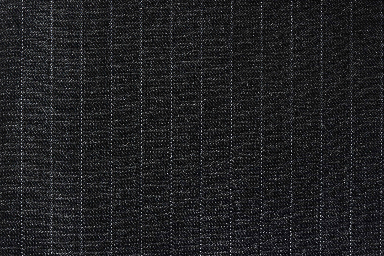 Tailormate | Nålestribet jakkesætsstof i mørk habit
