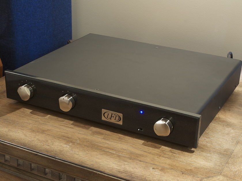 LFD Silver Signature  Integrated Amp SEE PHOTO