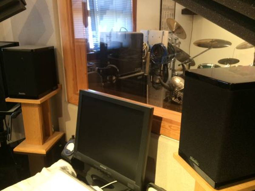 Definitive Technology Studiomonitor 350 For sale!