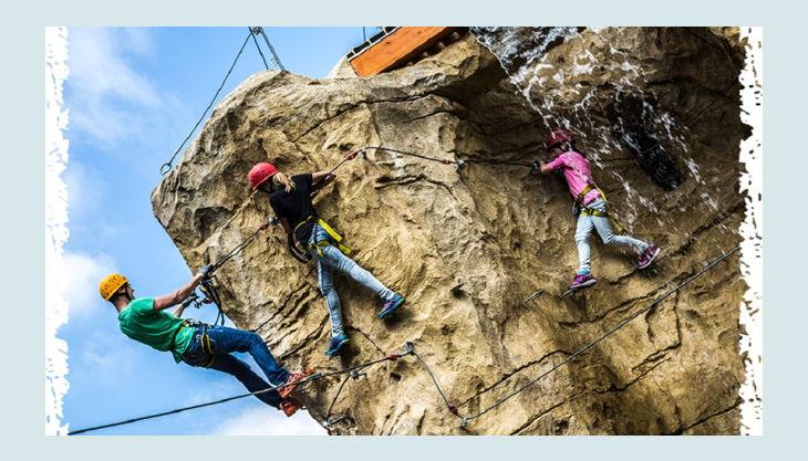 climb up kletterwelten kletterfels mit wasserfall