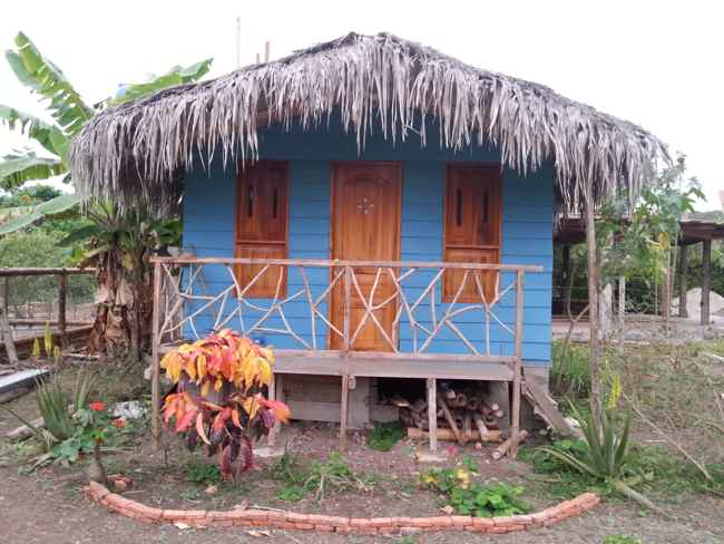 For sale House and Two cabins-Montañita