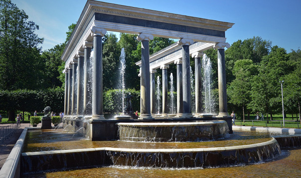 Экскурсия в Петергоф: парк, фонтаны