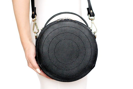 Черная круглая кожаная сумка Ronda