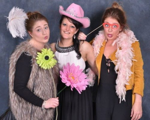 Wedding Photo Booth Eall Evening Entertainment