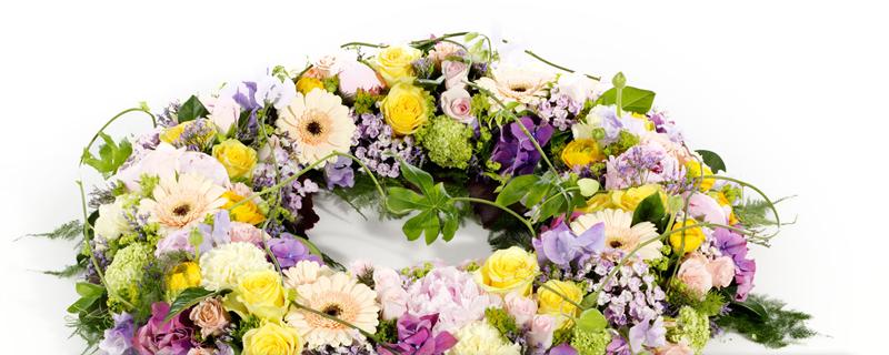 En begravelse skal være et smukt farvel, og blomster er en vigtig del af ceremonien.
