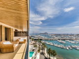 First class apartment overlooking the harbor on the Paseo Maritimo