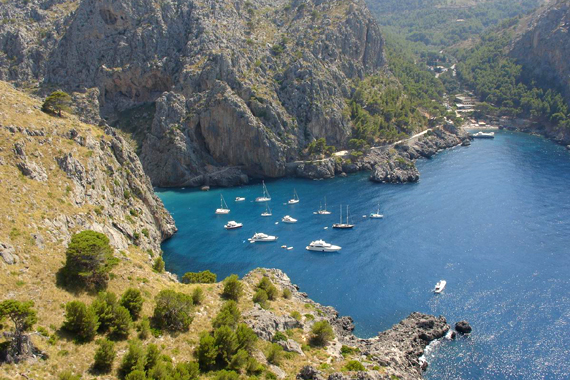 Pollensa - Wassersport in Cala Tuent, Mallorca Nord