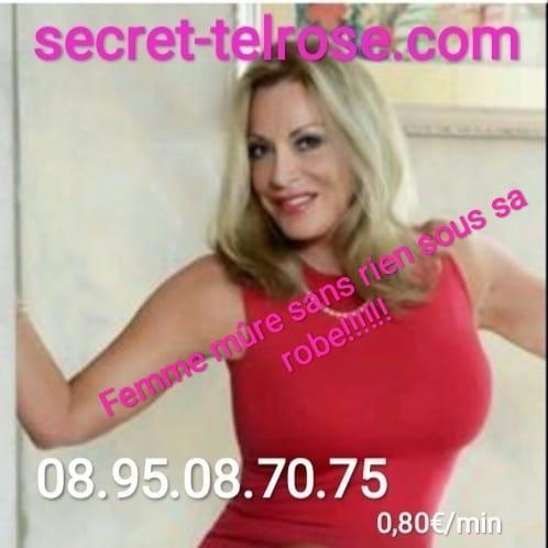 telephone rose avec femme mure