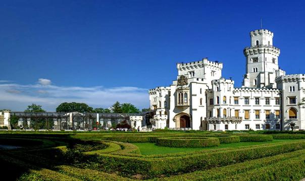 Замок Орлик и пивоваренный завод «Велкопоповицкий козел»